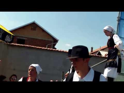 Folklor - Izvođači banijskih plesova silaze sa pozornice - Krajiški otkos 2013.