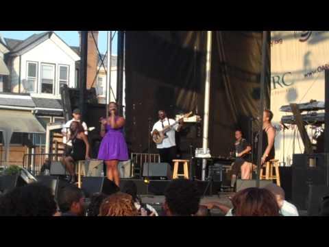 Chrisette Michele Tribute to Eryka Badu