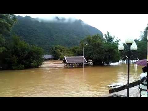 Dej nyab Vang Vieng, Laos 8/3/2015