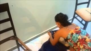 Reaproveitando uma capa de sofá q não usava mais, para cobrir o assento das minha cadeiras! Blog: http://lidyalmeida1.blogspot.com.br/