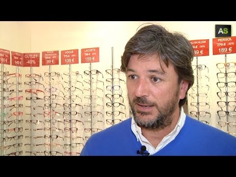 Antonio González, looking at 70 countries selling glasses online