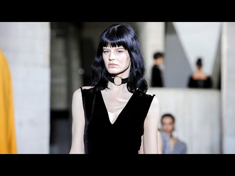 Roland Mouret | Fall Winter 2017/2018 Full Fashion Show | Exclusive (видео)