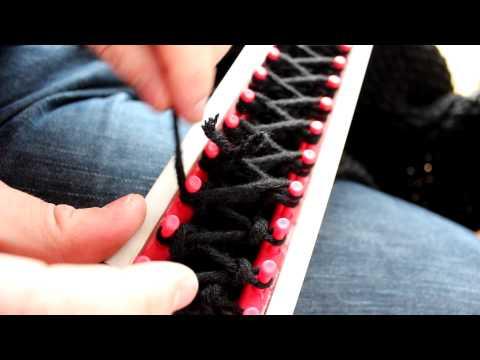 Schal mit Strickrahmen stricken Teil 06/11: Position des Knoten zweite Reihe