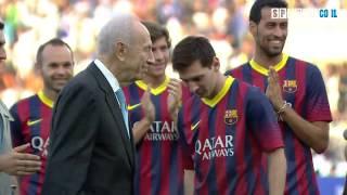 Shimon Peres Kicks Lionel Messi