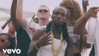 Mavado vídeo clipe Give It All To Me (feat. Nicki Minaj)