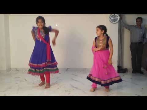 Video Aarif's Mehandi Dance Video download in MP3, 3GP, MP4, WEBM, AVI, FLV January 2017