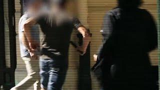 Świadek kradzieży wyciągnął broń. Telewizyjny złodziejaszek prankster w końcu się doigrał