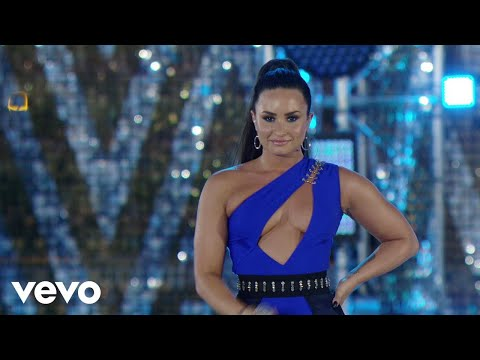 Demi Lovato - Cool For The Summer (Live At The MTV VMAs / 2017)