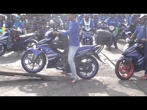 135 LC - Video ni masa Kelab YAMAHA 135LC GP Edition konvoi sramai 86 bijik moto ke Pulau Pangkor... Video sbagai kenangan x siap lagi, jadik aku pos la yang masa nai...
