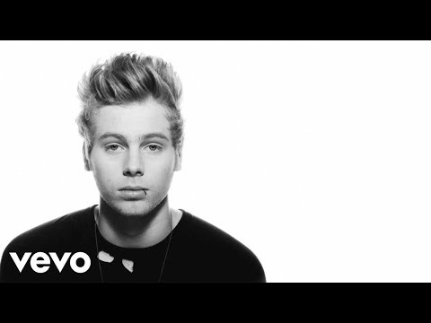 5 SECONDS OF SUMMER -  Amnesia [Lyric Video]