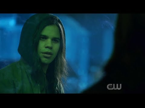 The Flash 6x05 Cisco finds Gypsy's killer