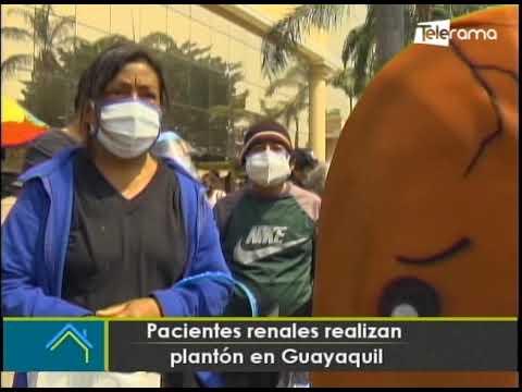 Pacientes renales realizan plantón en Guayaquil