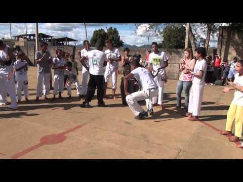 Matipo Apresentação dos alunos de capoeira do Professor Faisca