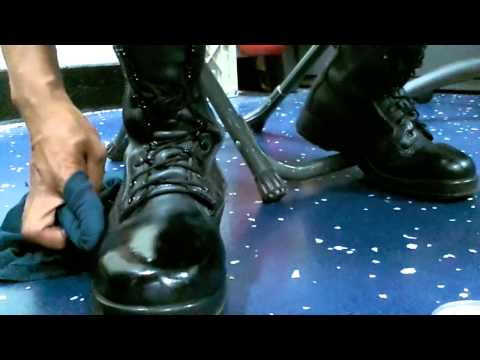 **!! HOW TO SPIT SHINE / POLISH MILITARY BOOTS !!*