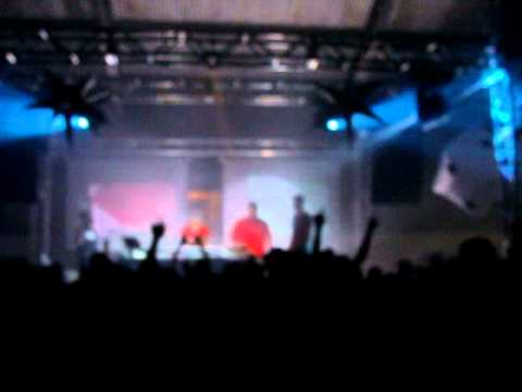 DJ RODRIGO CAMPOS AO VIVO EM FAXINALZINHO - RS 25 12 2010.MPG