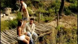 video y letra de Dos enamorados  por Banda Los recoditos
