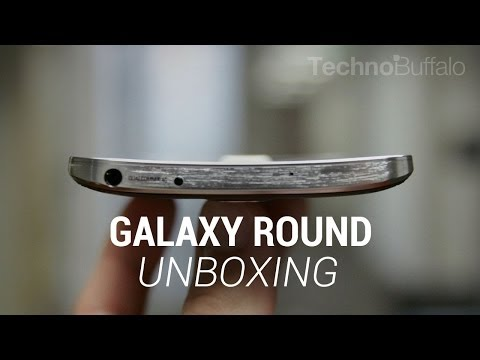 technobuffalo - Galaxy Round Unboxing Negri Electronics: http://nel.ec/NEGRTB We recently received a Samsung Galaxy Round from the kind folks at Negri Electronics. It's the ...