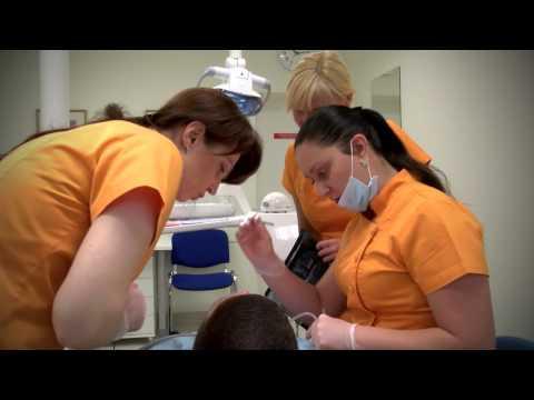 Kokios priežastys nulemia dantų netekimą?