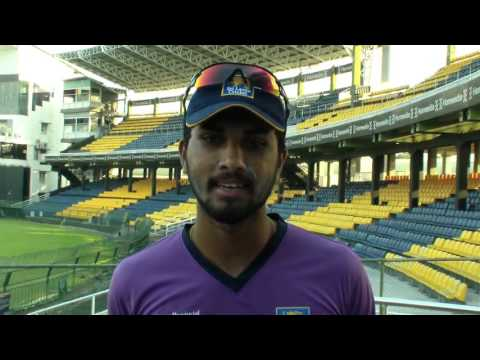 Dilshan loses it after fan asks him to retire