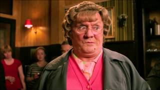 Nonton Mrs Brown S Boys D Movie   Official Trailer   Universal Pictures Film Subtitle Indonesia Streaming Movie Download