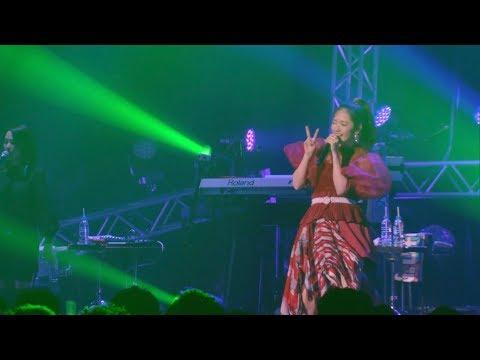 """, title : '【公式】鈴木愛理 - """"Break it down"""" LIVE @ZeppTokyo'"""