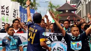 Download Video CURVA BOYS 1967 : Bali united vs PERSELA LAMONGAN [Awaydays Bali, 3 september 2017] MP3 3GP MP4