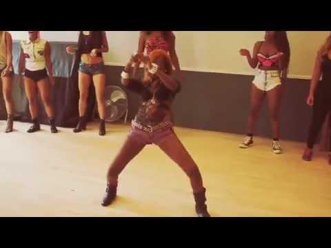 Sean Paul   Entertainment ft  Juicy J & 2 Chainz