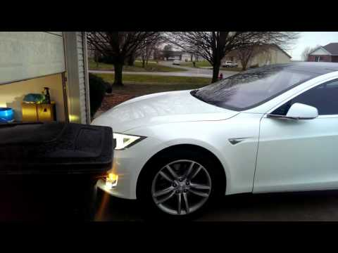 New Tesla Model S Update Automatically Parks The