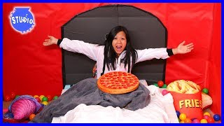 24 HOUR IN A GIANT BOX FORT HOUSE CHALLENGE!!!!
