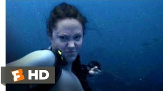 Nonton Lara Croft Tomb Raider 2  1 9  Movie Clip   Shark Punch  2003  Hd Film Subtitle Indonesia Streaming Movie Download