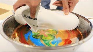 Video 【凄技】一瞬で靴に模様を入れる液体がすごすぎた!! MP3, 3GP, MP4, WEBM, AVI, FLV Oktober 2018