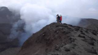 Download Lagu Mount Yasur Volcano Erupting Mp3