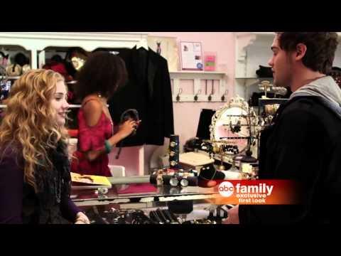 The Nine Lives of Chloe King Season 1 (First Look)