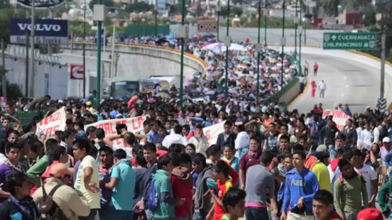 Lo que pienso de Ayotzinapa – Luisito Rey