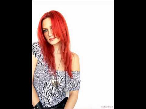 Tekst piosenki Nicole (Chile) - Extraño Ser po polsku