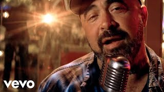 Aaron Lewis: That Ain't Country
