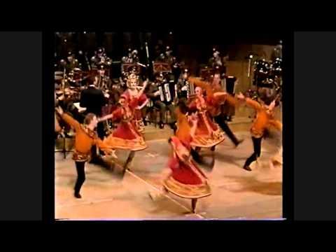 Камаринская Русский танец Ансмбль российской армии Kamarinskaya Russia видео