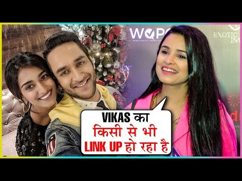 Chetna Pande Reacts On Vikas Gupta Dating Erica Fernandes | Golden Glory Awards 2019