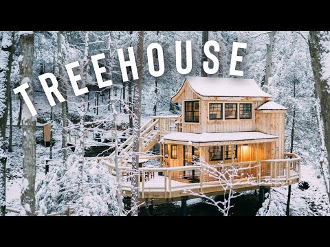 *SNOWY* TREEHOUSE CABIN FULL TOUR!   The Beech Treehouse