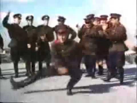Soviet Army dancing to Hard Bass (видео)