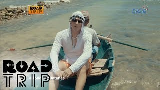 Aired (July 23, 2017): Along the journey of the Legaspis in Batanes, they also experienced the way of life of the Ivatans. Zoren went fishing with Mang Ernie while Carmina and the twins helped Nanay Jane on drying the Durado fishes.Watch 'Road Trip' every Sunday after GMA Blockbusters. Subscribe to us!http://www.youtube.com/user/GMAPublicAffairs?sub_confirmation=1Find your favorite GMA Public Affairs and GMA News TV shows online!http://www.gmanews.tv/publicaffairshttp://www.gmanews.tv/newstv