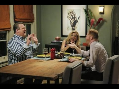 """Modern Family After Show Season 6 Episode 9 """"Strangers in The Night"""" 