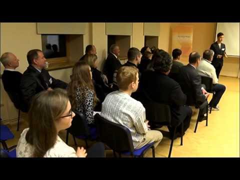 """Burtnieku novada deputāti un jaunieši piedalās diskusijā """"Kafija ar politiķiem"""""""
