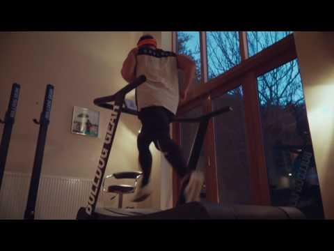 30 Marathons // 30 Days // 30 Breakfasts - Ross Edgley / Trueform Treadmill (видео)