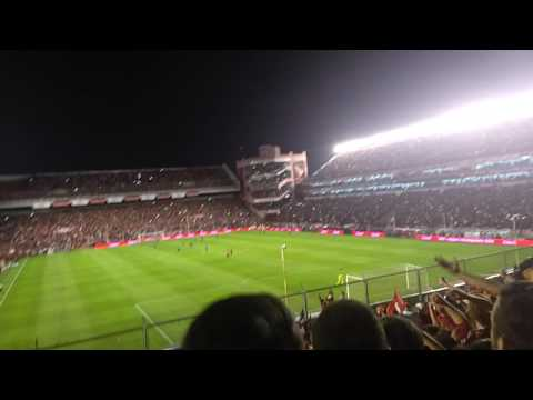 """""""Nose como voy nose como vengo"""" + gol de Rigoni independiente 2 vs racing 0 2017 - La Barra del Rojo - Independiente"""