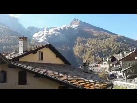 Le montagne iniziano a sgretolarsi, Epinel, frazione di Cogne ha vissuto questa scena impressionante