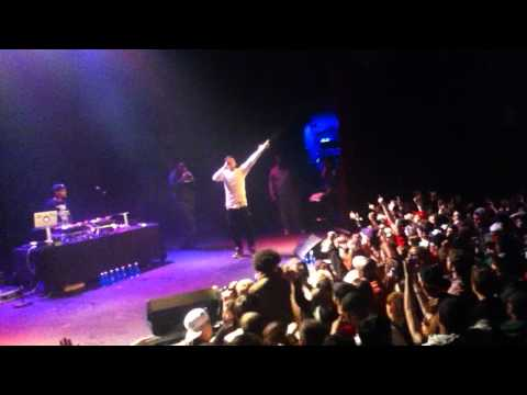 hard white - Yelawolf performing his smash,