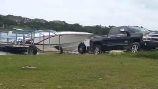 Download Lagu Big Fountain Power Boat at Point Venture boat ramp 4-16-16 Mp3
