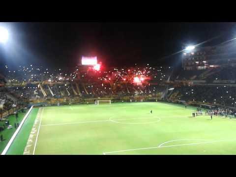 """Recibimiento de la hinchada de peñarol - Inaguracion del """"CDS"""" - Barra Amsterdam - Peñarol - Uruguay - América del Sur"""