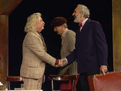 Před padesáti lety slavili Cimrmani první premiéru. Mrkněte na ukázku!